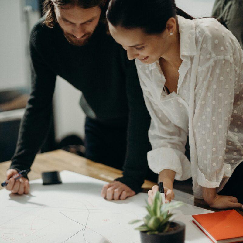 Strokovno – informativni članek »Vavčerji Slovenskega podjetniškega sklada v letu 2021«