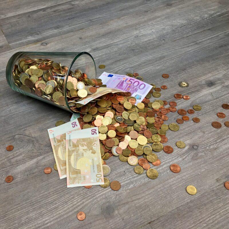 Objavljen Javni poziv za sofinanciranje obratovalnih stroškov podjetjem v gostinstvu in turizmu v času epidemije COVID-19/2